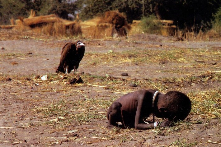 Kevin Carter's Pulitzer prize photo of Sudanese boy and vulture