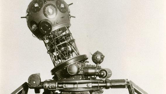 Old Hantel Planetarium Projector