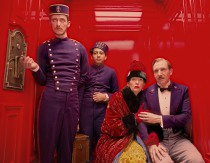 he Grand Budapest Hotel | Grand Budapest Hotel Country: USA/GBR/DEU 2013 Director: Wes Anderson Photo description: Paul Schlase, Toni Revolori, Tilda Swinton, Ralph Fiennes Section: Competition File: 20146244_1.jpg © 2013 Twentieth Century Fox